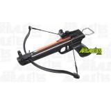 Un pistolet arbalète Arbaletes.com (recurve) à crosse synthétique, d'une puissance de 50 livres. Le Montparnasse est muni d'un étrier d'armement à l'arrière, une détente sensible et un cran de sureté de corde automatique