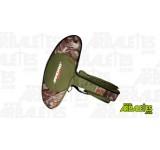 Housse souple pour arbalète à recurve Chace Star, de marque Jandao. Grande poche à l'avant pour accessoires de tir comme par exemple des pointes de chasse. Poignée de transport latérale et sangle de transport.