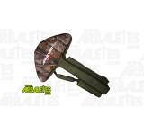 Housse souple pour arbalète à recurve Chace Sun2, de marque Jandao. Equipée de deux poches latérales pour le rangement de votre lunette de visée et pour les accessoires de tir, comme la corde de rechange, le stick de cire, les pointes de chasse.